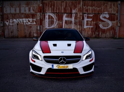 MERCEDES ClA 45 AMG BlACK S STYLE